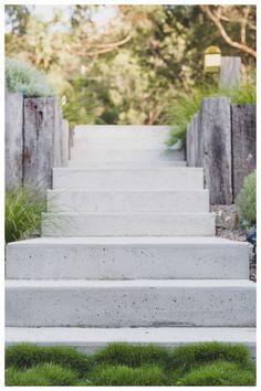 Endicott crazy paving from Eco Outdoor . Landscape Stairs, Front Garden Landscape, Landscape Design, Landscape Architecture, Australian Garden Design, Australian Native Garden, Outdoor Rooms, Outdoor Living, Indoor Outdoor