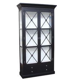 Bordeaux Cross Cabinet Cabinet 120 cm (Sort/hvit) #11.90000 kr  Et lekkert vitrineskap med cross sprosser. Dette skapet er et blikkfang med flotte detaljer. Krysssprossene på dette vitrineskapet skaper et lekkert design. Tagglistene i toppen fremhever dette elegante skapet. Nederst er det praktiske skuffer.  Dette glass skapet kommer også i flere farger.  Mål: Høyde:  220 cm Bredde: 120 cm  Dybde:  45 cm  #classicliving #interiør #skap #cabinet #vitrineskap #furnitures