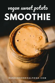 Try this deliciously creamy vegan sweet potato smoothie recipe for a healthy breakfast, snack or dessert. It tastes like sweet potato pie! High in protein, high in fibre and packed with nutrition. Food Network, Sweet Potato Smoothie, Healthy Sweet Snacks, Eat Healthy, Breakfast Smoothie Recipes, Vegan Breakfast, Snacks Sains, Vegan Smoothies, Sweet Potato Recipes