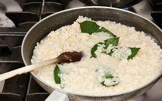 Risotto with bay leaves, pecorino cheese and prosecco recipe