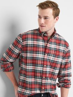 GAP Oxford plaid standard fit shirt Soft, sturdy classics. For work or weekends. Relaxed look.  Smooth, stretch Oxford weave. Long sleeves with button cuffs. Spread collar, button front. Patch pocket at chest. Curved hem. Assorted allover plaid. #125822