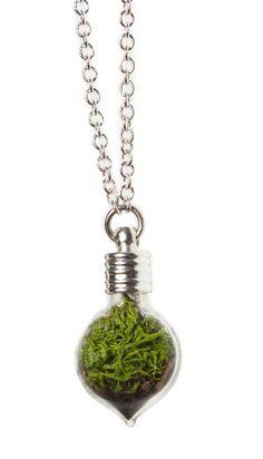 Terrarium necklace, i want this so bad!