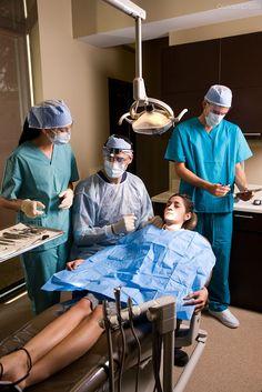 Dentist Art, Pediatric Dentist, Cute Nursing Scrubs, Female Surgeon, Dental Photos, Dental Videos, Medical Office Decor, Medical Wallpaper, Online Pharmacy