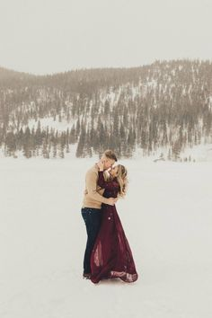 Winter Engagement Pictures, Mountain Engagement Photos, Engagement Shots, Engagement Photo Outfits, Engagement Photo Inspiration, Engagement Couple, Wedding Inspiration, Country Engagement, Beach Engagement