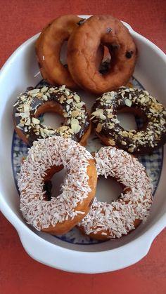 Mandulás-mazsolás fánk Bagel, Doughnut, Bread, Desserts, Food, Tailgate Desserts, Deserts, Brot, Essen