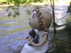 Kačenka výška 15 cm Paper Mache, Ceramic Pottery, Garden Sculpture, Clay, Outdoor Decor, Dolls, Easter Activities, Clays, Baby Dolls
