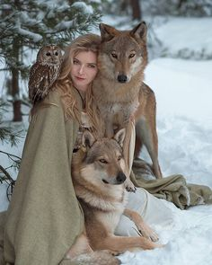 Photographer Captures Fairytale-like Photos of Models with Wild Animals