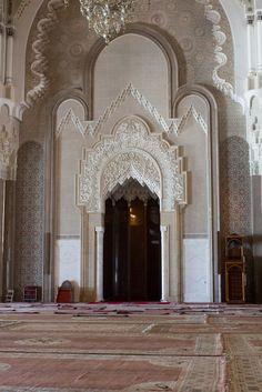 İlgili resim Casablanca Morocco, Taj Mahal, Mosques, Traditional, Architecture, Building, Google Search, Home Decor, Arquitetura
