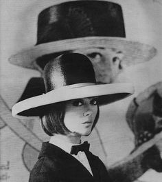 like a girl Champions Of The World, Spring Racing, Sixties Fashion, Queen, Girls Be Like, Headgear, Vintage Fashion, Vintage Style, Hats For Women