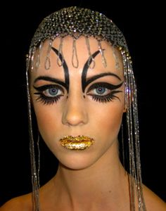 Extreme Makeup Looks | Make-Up.
