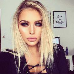 Hey galera quer uma dica bem legal? Tem dicas pra você que vai sair agora a tarde ou a noite. E uma dica bônus,  acesse o sieg style e veja nosso novo post, que tá muito maravilhoso e bem diferente dos anteriores. 😍. Acesse:  👇  Siegstyle.com 👀🔝💟. . .  🔮  #fashion #style #stylish #love #blogger #fashionpost  #photooftheday #nails #hair #beauty #beautiful #instagood #instafashion #pretty #girly #pink #girl #girls #eyes #model #dress #skirt #shoes #heels #styles #outfit #purse #jewlery…