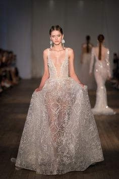 These are the wedding dress trends of Meghan Markle mania, royal wedding, bridal jumpsuits, sexy v-neck wedding dresses, and more. V Neck Wedding Dress, Top Wedding Dresses, Wedding Dress Trends, Wedding Gowns, Prom Dresses, Formal Dresses, Naeem Khan, Berta Bridal, Bridal Jumpsuit