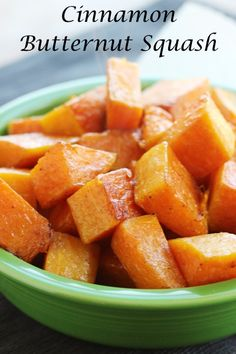 This cinnamon roasted butternut squash is for any time of year. I'm not sure why we only think of squash at Thanksgiving but it is a winter vegetable. Ww Recipes, Vegetable Recipes, Cooking Recipes, Dinner Recipes, Butternut Squash Pasta, Spaghetti Squash, Healthy Snacks, Healthy Recipes, Healthy Eats