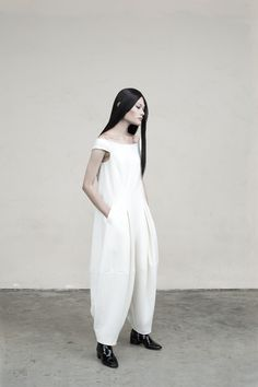 Contemporary Fashion - white jumpsuit with voluminous silhouette; soft tailoring // Max Tan