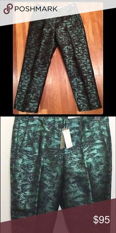 J Crew Holiday Limited Edition cropped pants !! These green metallic J Crew Cropped pants are brand new with tags. They are true to size & are very needed for this upcoming fall & winter season !! I'm open to offers, so feel free to use the offer button Ladies J. Crew Pants Ankle & Cropped