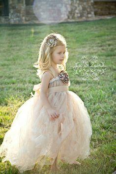 weddings / Vintage flower girl dress