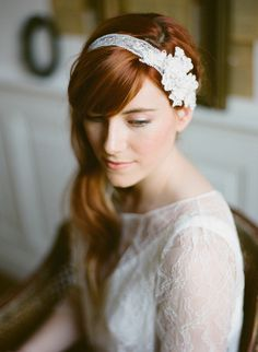 headband mariage / accessoire cheveux mariage / Orchidée de soie / photos par Greg Finck / + d'infos sur withalovelikethat.fr
