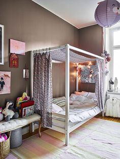 Take a peek into our new blogger Amelia Widells magical home | ELLE Decoration