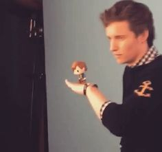 "addictedtoeddie: "" Video from alison_wild: I'm just gonna leave this right here ✨ BTS - Eddie Redmayne photographed at Comic Con for Entertainment Weekly :) more videos """