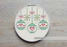 borduurpatroon kerstmis, kerstballen, modern PDF, **direct te downloaden** door Happinesst op Etsy https://www.etsy.com/nl/listing/210675051/borduurpatroon-kerstmis-kerstballen