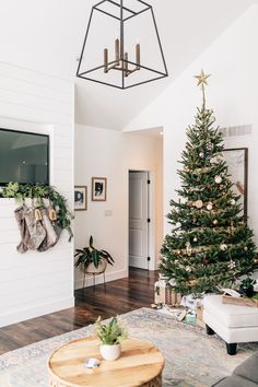 Holiday Home Tour: Gorgeous Greenery Transforms This Mom's Rustic-Chic Canadian Abode Christmas Decorations For The Home, Christmas Home, Merry Christmas, Scandinavian Holidays, Charlie Brown Tree, Minimalist Christmas, Christmas Inspiration, Life Inspiration, Rustic Chic