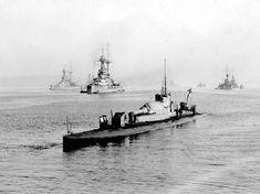 """8 inch guns? My sub has a 12 inch gun!"" Royal Navy M1 submarine sometime during WW1"