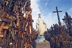 This hill of crosses signifys the peaceful endurance of Lithuanian Catholicism despite the threats it faced throughout history. Curious Places: Hill of Crosses (Šiauliai/ Lithuania)