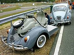 Vintage scooter on custom trailer made from a VW bug, towed by a VW bug beetle classic custom Volkswagen Trailer? Piaggio Vespa, Lambretta Scooter, Custom Trailers, Vintage Trailers, Vw Bugs, Carros Vw, Auto Volkswagen, Kdf Wagen, Vw Beetles