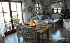 U nás na kopečku: od nás Dining Table, Rustic, House Styles, Furniture, Home Decor, Fashion, Country Primitive, Moda, Decoration Home