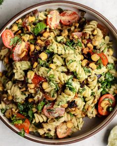 How to making Pasta Salad? Vegan, easy salad do knack, necessaries and salad recipes What is put down onto salad? Cucumber Recipes, Lunch Recipes, Fall Recipes, Vegetarian Pasta Salad, Pasta Salad Italian, Small Food Processor, Food Processor Recipes, Creamy Avocado Sauce, Summer Pasta Salad