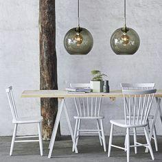 Gloria Ø Røykfarget/messing oppheng Lampe Industrial, Industrial Style Lighting, Pendant Lamp, Pendant Lighting, Globe Pendant, Globe Lights, Light Fittings, Modern Kitchen Design, Modern Room