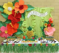 Gorgeous luau theme dessert table decoration and pineapple made of cake pop center piece! (hawaiian luau party lilo and stitch) Aloha Party, Party Fiesta, Hawaiian Luau Party, Hawaiian Theme, Tiki Party, Hawaiian Leis, Hawaiian Flowers, Luau Desserts, Hawaiian Desserts
