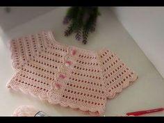 T i i rg Bebek Yelek Modelleri Crochet Fikir Ama l d r Videolar m be enmeyi ve Abone olmay unutmay n z Crochet Baby Sweaters, Crochet Baby Cardigan, Crochet Baby Booties, Crochet Toddler, Baby Girl Crochet, Crochet For Kids, Crochet Yoke, Crochet Vest Pattern, Crochet Patterns