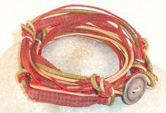 Wickelarmband WIESN No.2 - Leder und Baumwolle: aus diesen Materialien besteht das Armband im Trachtenlook.