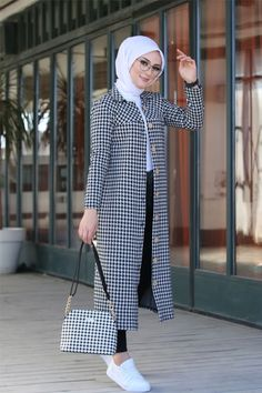 Modest Fashion Hijab, Modern Hijab Fashion, Frock Fashion, Hijab Fashion Inspiration, Muslim Fashion, Fall Fashion, Chic Outfits, Fashion Outfits, Mode Kimono