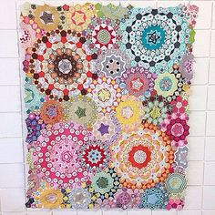 All english paper pieced/handsewn. Pattern from the book Millefiori Quilts by Willyne Hammerstein.