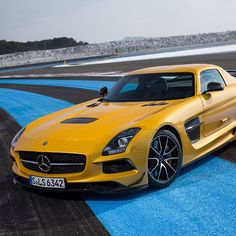 In love with this Mercedes SLS AMG Black