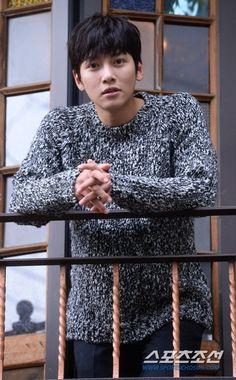 I must collect every knitwears picture of JCW ever Korean Star, Korean Men, Asian Actors, Korean Actors, Healer Korean, Ji Chang Wook Healer, Saranghae, Ji Chan Wook, Park Hyung