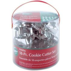 Amazon.com: Wilton Holiday 18 pc Metal Cookie Cutter Set #2308-1132: Kitchen & Dining