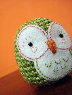 Owl in crochet and felt