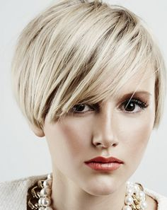 Balayage for Short Hair: 28 Stunning Hair Color Ideas - Style My Hairs Short Hair Cuts For Women, Medium Hair Cuts, Short Hair Styles, Short Bob Hairstyles, Hairstyles Haircuts, Haircut Short, Trendy Hairstyles, Medium Hairstyles, Blonde Hairstyles