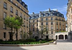 51 Avenue Montaigne