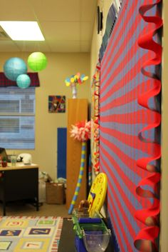 Dr. Seuss ideas AND a really cool way to use borders (3D): Tangled with Teaching: Dr. Seuss