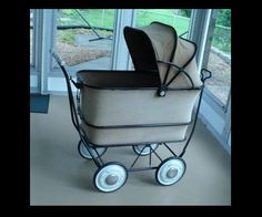 A 1940s Big Buggy Pram Stroller Collapsible