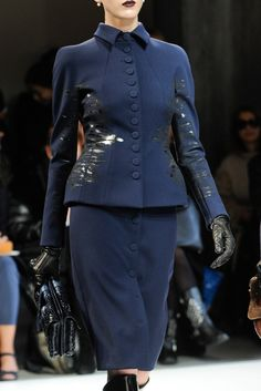See the complete Bottega Veneta Fall 2012 Ready-to-Wear collection.