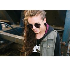Lynn Gunn. Babe alert. Be careful.