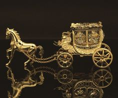 AUTHENTIC SWAROVSKI CRYSTAL ELEMENTS HORSE CARRIAGE FIGURINE 24K GOLD PLATED