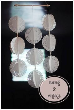 How about we make something we can hang and tease our cats with Fun yeah To make this DIY paper doily mobile you will need paper doilies faux pearls string and 1 scroll rod or any wooden rod sewing ma Paper Doily Crafts, Doilies Crafts, Paper Mache Crafts, Paper Doilies, Diy Paper, Diy Crafts, Doily Garland, Doily Bunting, Flower Drawing Tutorials