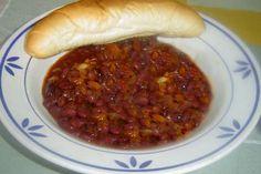 fazolový guláš s klobásou | recept Chana Masala, New Recipes, Hot Dog Buns, Chili, Sausage, Beans, Soup, Vegetables, Diet