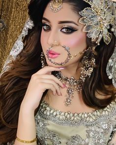 Awesome Bridal Photoshoot of Alizeh Shah for Kashees Gold Lehenga Bridal, Pakistani Bridal Makeup, Indian Bridal Fashion, Pakistani Bridal Dresses, Bridal Makeup Images, Bridal Makeup Looks, Bridal Looks, Beautiful Bridal Dresses, Desi Wedding Dresses
